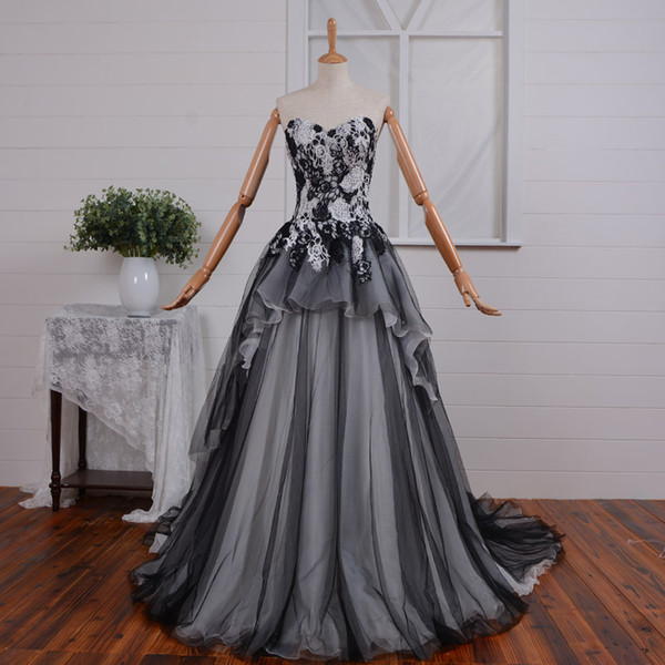 2019 New Arrival Black and White Gothic Wedding Dress Vintage Corset Back Women Non White Bridal Gowns With Color Custom Made