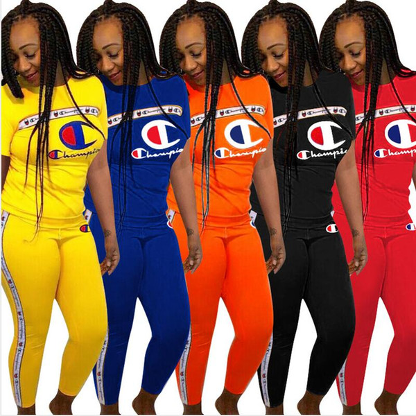 Tuta estiva da donna manica corta T-shirt Champions Stampa t-shirt + Pantaloni Leggings Abiti firmati 2 Pezzi Autunno Sportswear Street Set A362