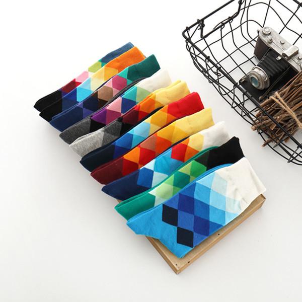 Sıcak Satış İngiliz Stil erkek Çorapları için Moda Pamuk Çorap Bahar Kış Erkekler için Renkli Elmas