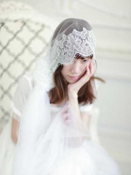 Caliente superventas imagen real elegante apliques de encaje de una capa borde longitud de la capilla peine de aleación blanco marfil velo de novia marca meidingqianna