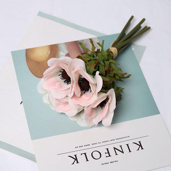 Flores blancas rosadas