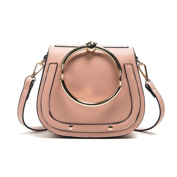 분홍색 핸드백