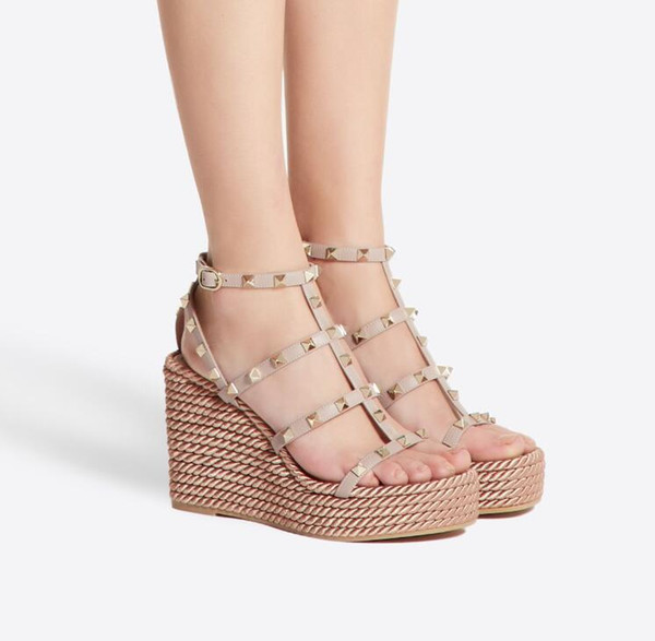 Italien Designer Nieten Schuhe für Frauen Wedges Sandale mit Rock Nieten Schuhe Retro High Heels Wedge Heels Plateauschuhe mit Riemen 35-42