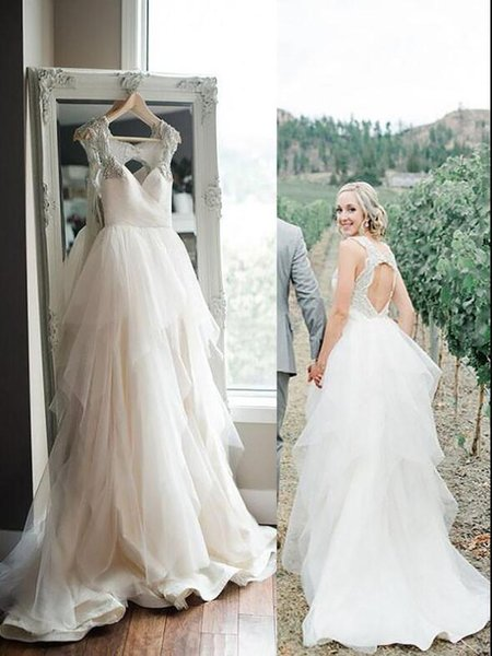 Low Price A Line Sweetheart Vintage Style Wedding Dresses Chapel Train Outdoor Organza Crystal Straps Keyhole Back Modest Bridal Gowns