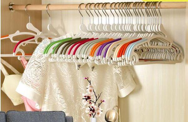 Hot Sale Mixed Colorful Velvet Flocked Non-slip Clothes Hanger Magic Creative Heart Dress Hangers Cloth Racks Clothes Hangers