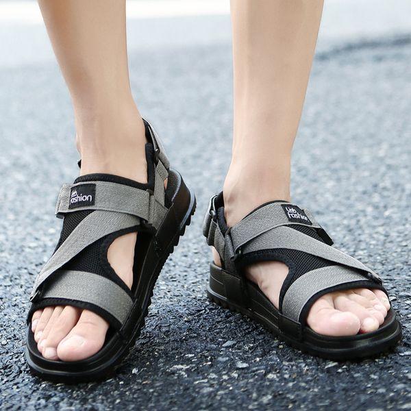 UPUPER Yaz Sandalet Erkekler Ayakkabı Erkekler Için 2019 Roma Gladyatör Sandalet Plaj Ayakkabıları Erkek Terlik Su Çevirme Siyah