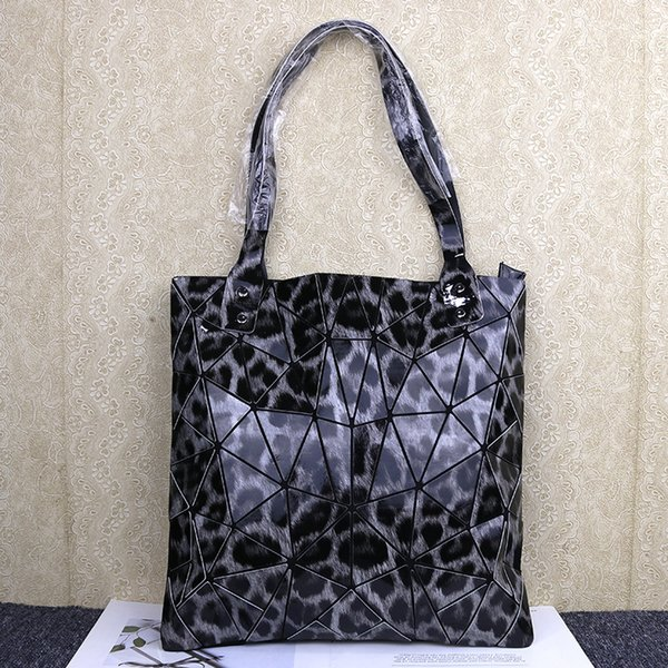 Leopard pattern grey