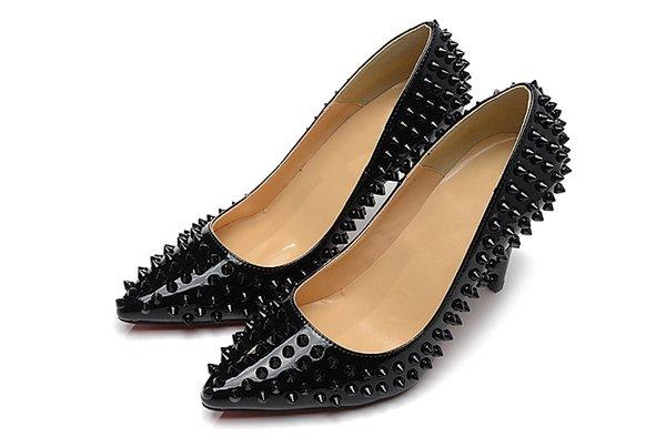 2019 Lüks moda tasarımcısı kaliteli Rugan küçük yuvarlak burunlu siyah sivri çiviler Kadınlar Platformu Düğün Ayakkabı 35-46 pompaları