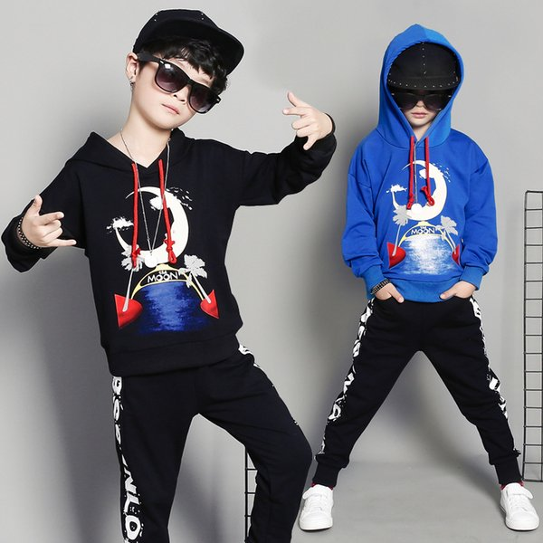 The moon 2019 new Korean version of the children's suit boys spring and autumn hooded big children's sports sweater two-piece