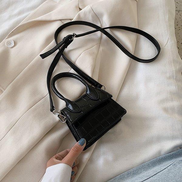 Черный мешок плеча