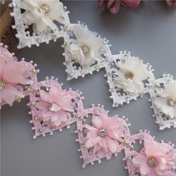 1 Quintal Diamante 3D Coração Flor Borda Do Laço Guarnição Fita Decorativa Strass 5.5 cm de Largura Bordado Tecido Applique Craft Craft DIY