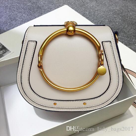 Verão New couro genuíno Handbag Bag anel de metal pacote sela de metal Nilo saco de lidar com saco pulseira Feminino ombro mensageiro Bandoleira Sacos