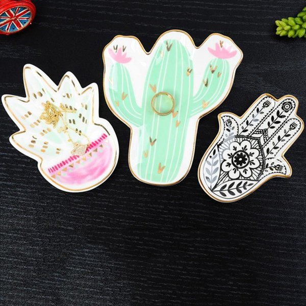 Nordic Style Innovative Hand-painted Flamingo Cactus Pineapple Gold Ceramic Tableware Dessert Plate Jewelry Storage Tray