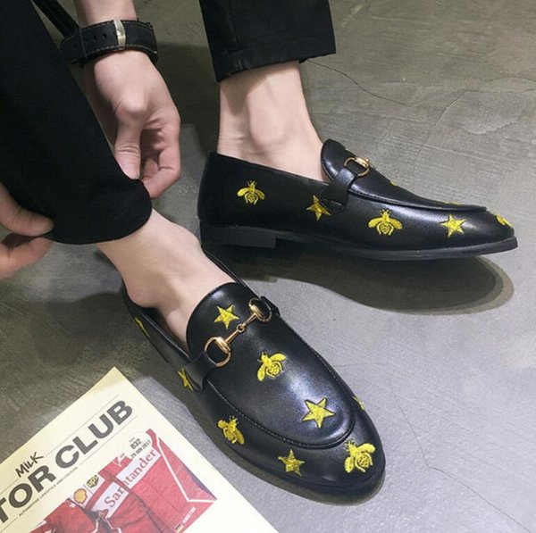 luxe designer small bee pointed casual leather shoes embroidered beans shoes man a foot hair stylist loafers v1.18