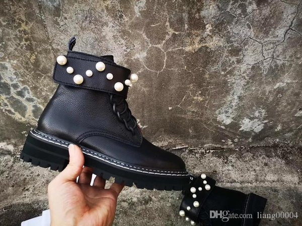 Womens DESERT BOOT BLACK HEART Martin Ankle Boot Winter Luxury Designer High Women Boots Print Glazed Leather Lace-up Boots 156 0925