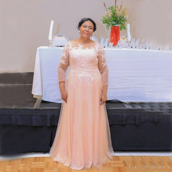 2019 New Elegant Mother Of The Bride Dresses Sheer collo in pizzo Appliques in rilievo Tulle maniche lunghe Plus Size Party Dress Wedding Guest Gowns