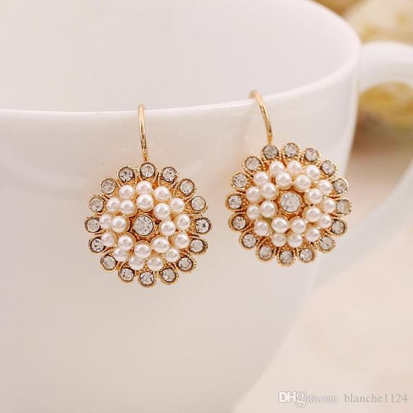 Chic Bohemian Sunflower Earrings for Women Girls Fashionable Flower Pearl Charm Earring Crystal Diamond Eardrop Jewelry Accessories