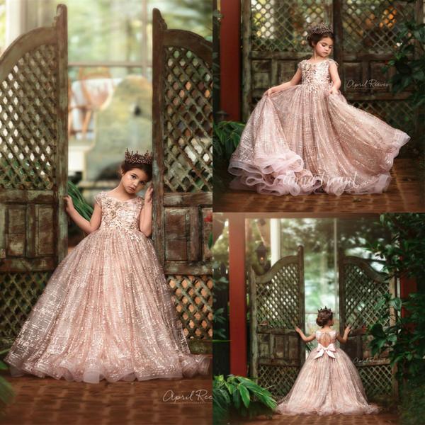 2020 Luxury Little Girls Pageant abiti di pizzo 3D Beads Appliqued floreali Jewel Collo Lace Flower Girl Dress per la festa nuziale Abiti da principessa