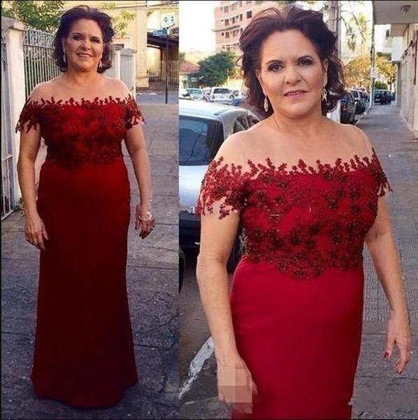 Sirena rojo oscuro Madre de los vestidos de novia 2019 Elegante fuera del hombro Apliques Novio Madre Vestidos Formal Talla grande