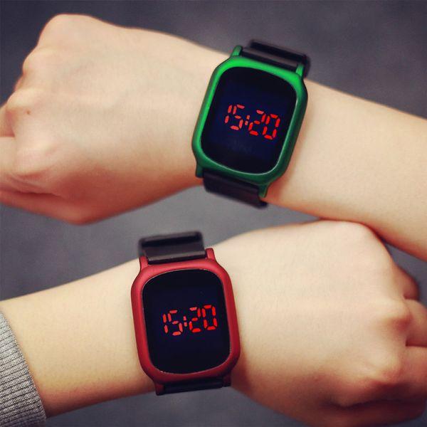 venta minorista feabc 2ef02 Compre Para Mujer Para Hombre Reloj De Goma LED Fecha Pulsera Deportiva  Reloj Digital Moda Juvenil Relojes Electrónicos Reloj Digital A $34.92 Del  ...