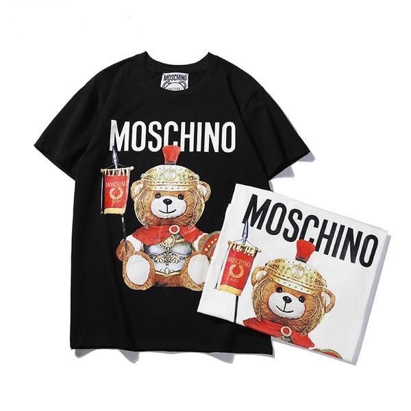 Moda MOS Tipo Streetwear Marca tee Hombres Mujeres Anime Figura de acción Patrón de impresión de la camiseta de las mujeres Cuello redondo oso Logo Loose Girl Tees