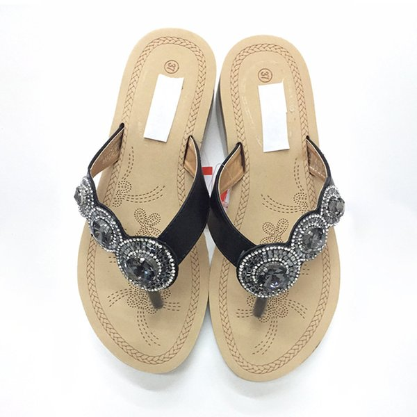 Womens Summer Flip Flops Comfort Flat Slipper Leisure Ladies Bohemia Platform Flip Flops Fashion Rhinestone