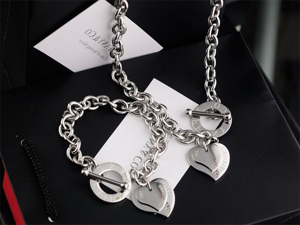 2019 Hot High Quality Celebrity design Letter 925 Silver bracelet necklace Silverware Fashion Metal Heart-shaped Gold Jewelery Set 2pc With