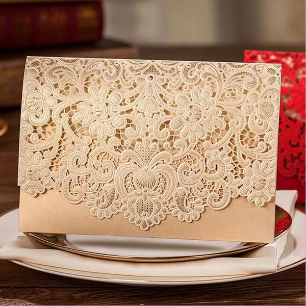 Altın Yatay Lazer Kesim Düğün Davetiyeleri Kartları Setleri Hollow Flora ile Özelleştirilebilir için Inci Kağıt Kart Stoğu Şekerleri