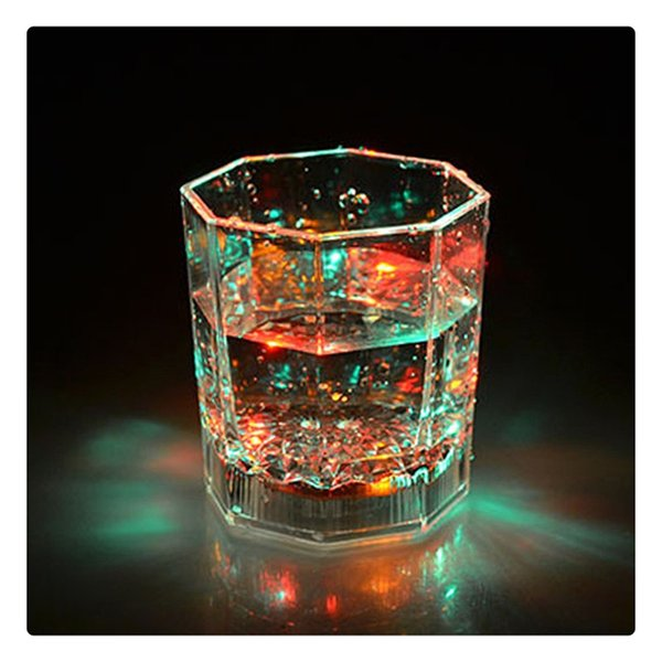 Lámpara LED Fiesta Boda Copas transparentes Bar Club Copa de vino Colorido Intermitente Octagonal Scotch Copas luminosas Romántico