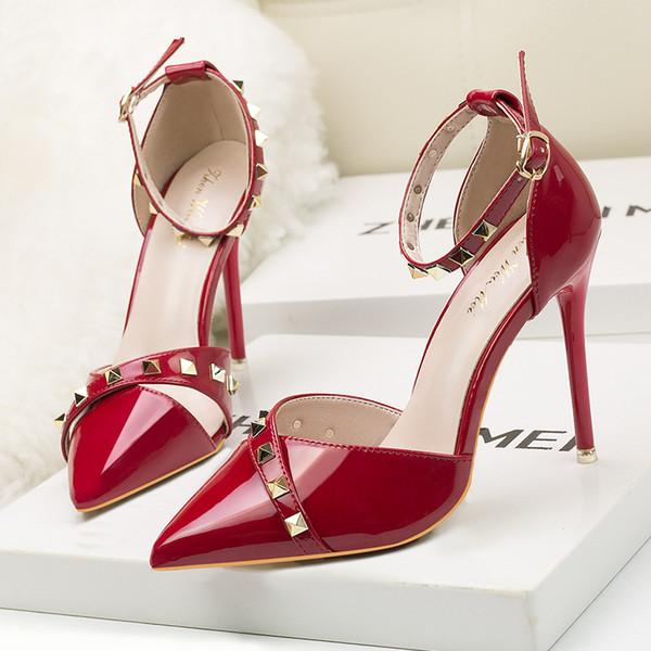 2019 moda marka Seksi perçin gece kulübü tarzı kadın terlik ince ince topuklu ayakkabı ile ayakkabı sığ üstleri sivri toes al ...