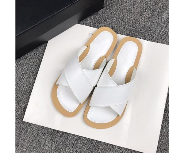 2019 femmes sandales designer chaussures luxe diapo mode d'été large sandales glissantes plates pantoufle bascule taille 35-40 rf190608