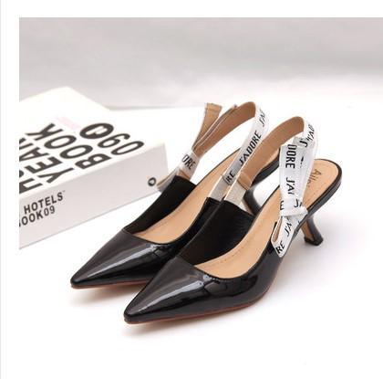 2019 편지 활 매듭 하이힐 신발 여성 활주로 지적 발가락 낮은 뒤꿈치 신발 여자 글 래셔 샌들 레이디 브랜드 디자인 메쉬 플랫 신발