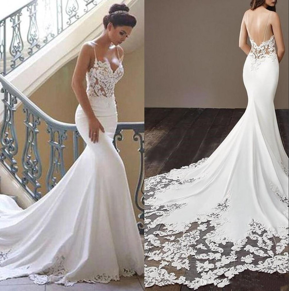 2020 Cheap Bohemian sereia Vestidos de noiva de cetim Lace Applique Backless Spaghetti Varrer Train casamento vestidos de noiva BM0968