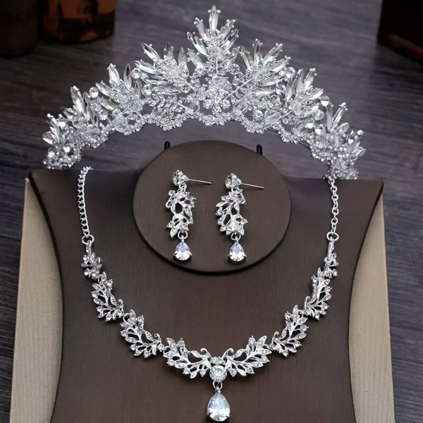 Hot Selling Affordable Wedding Jewelries Chic Rinestones Dropped Earring Wedding Jewelry Sets For Sale Transparent Snow Bridal Crowns Online