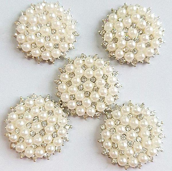 20 entre las perlas con pedrería en color plateado 7 mm
