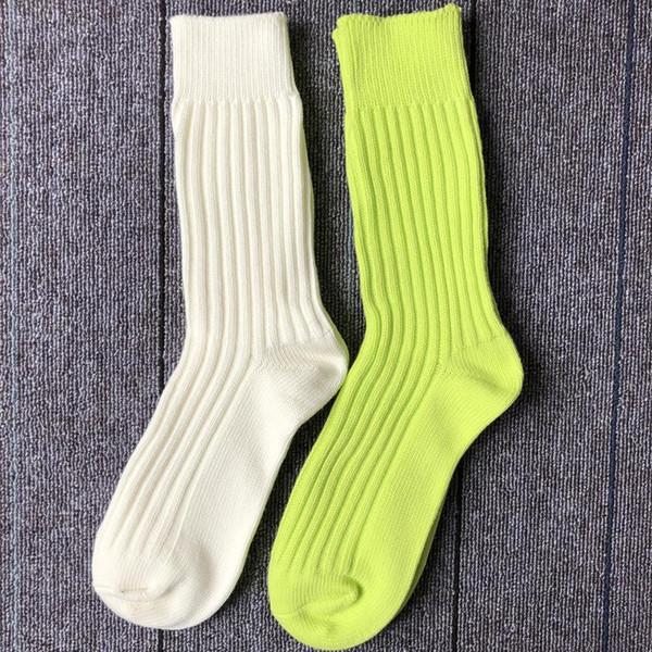 19SS alta calidad pareja media primavera hombres y mujeres hilo de algodón puro absorción de sudor desodorante deportes calcetines ocasionales enteros