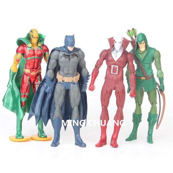 4 pezzi / set Avengers Infinity War Supereroe Superman Batman PVC 16CM Action Figure Modello da collezione Toy OPP D763