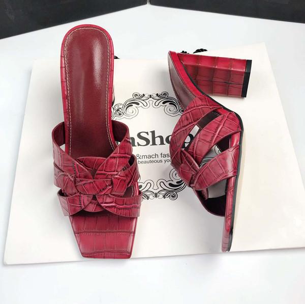 Kırmızı 9cm topuklar