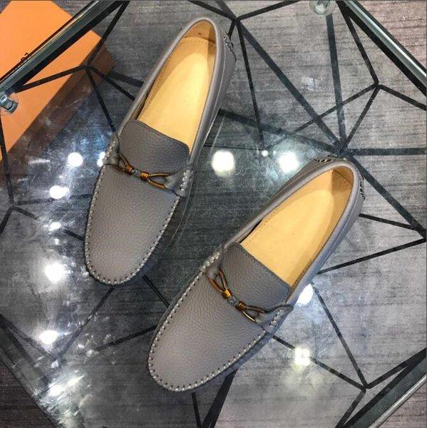 2019 Марка Кожа Женщины Дизайнерские кроссовки Мужская обувь для бегунов Модный досуг Обувь для вождения ВСЕ черные обувь для скейтборда