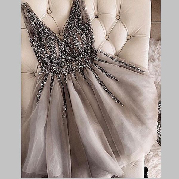 Sparkle Kristal Boncuklu Kısa Kokteyl Elbiseleri Gri Homecoming Elbise Ucuz Çift V Yaka Seksi Parlak Mini Balo Abiye Abiye Vestidos