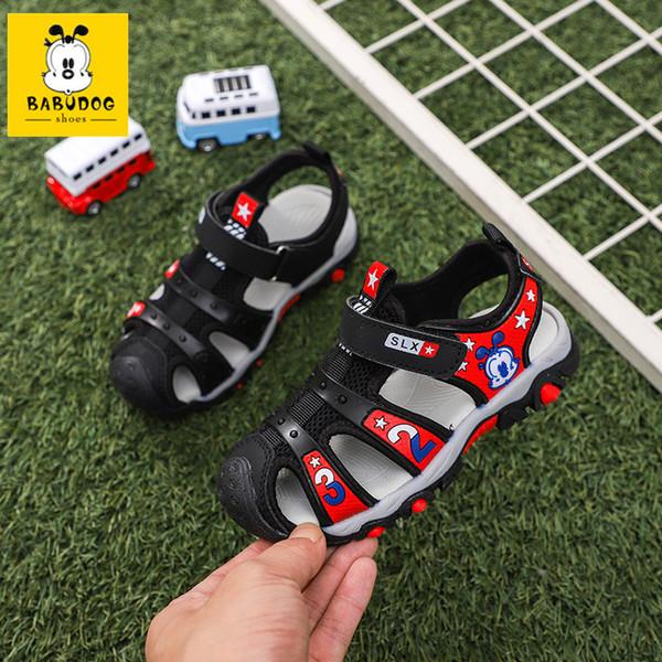 BABUDOG novas 2019 sandálias das crianças de verão nas crianças grandes versão coreana da fábrica de sapatos de praia de velcro vendas diretas