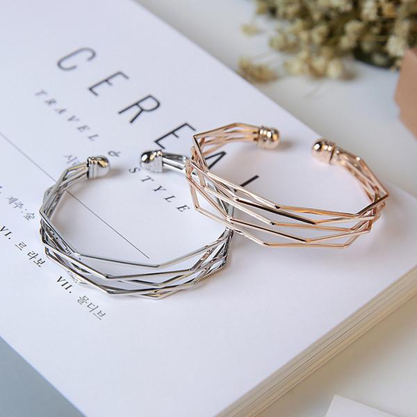 Il modo popolare acrilico Bangles Multi-level rotonde Cuff Bracelets aperti per le donne selvaggio fascino gioielli e accessori aperta Area