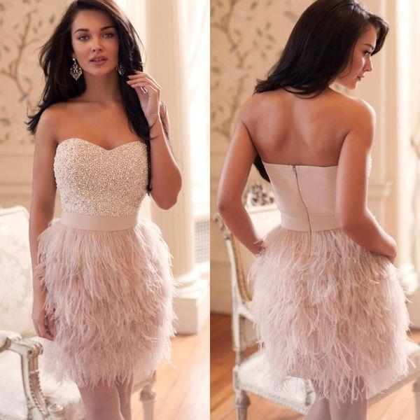 Moda Sexy Straplessr Rebordear Plumas Rosa Vestidos de cóctel 2019 Mujeres formales Vestido corto de fiesta de graduación CD20