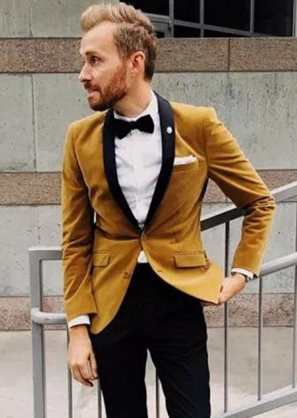 Velvet Groom Tuxedos Yellow Men Wedding Tuxedos Black Lapel Popular Men Dinner / Darty Jacket Blazer Suit por encargo (Jacket + Pants + Tie) 1126