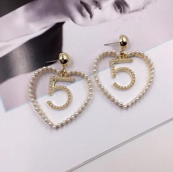 2019 hot new Korean fashion sweet lady love 5 pearl diamond earrings lady net red temperament tide earrings