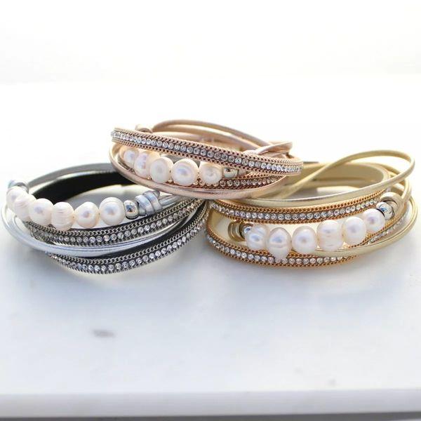 Spring Summber Wrapped Twisted Rhinestone Splendida pelle PU Irregolare perla d'acqua dolce Avvolgere due volte Bracciali Bracciali in pelle da donna