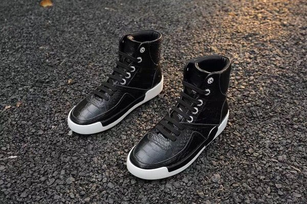 2019 autumn and winter new crocodile embossed leather high-top shoes with leather pearl round head flat wild casual shoes 35-40