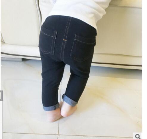2017 Pour Bebek Giyim Infant Bébé Bébé Boysgirls Printemps Marque Vêtements Enfants Filles Patter Coton Jeans Pantalon Taille 6-24 Mois Y19061303