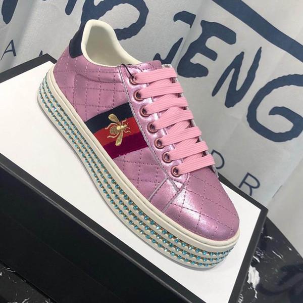 Sapatos de grife com cristais de qualidade superior mulheres sapatos bordado abelha mulher casual shoes tamanho 35-40 tamanho do modelo 35-41 modelo gczx1