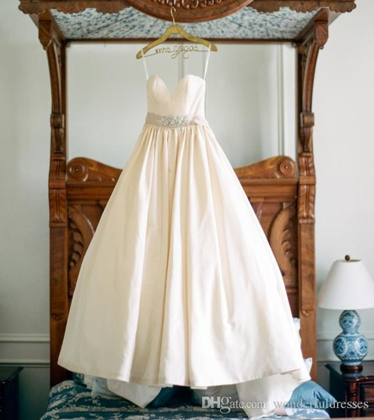 Simple Ball Gown Wedding Dresses With Spaghetti Straps Crystals Sash Satin Bridal Gowns Vestido De Novia Sweep Train
